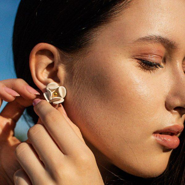 COLORLESS earrings